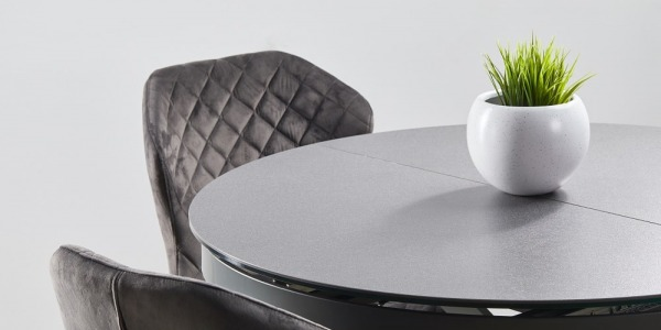 Porcelain stoneware tables